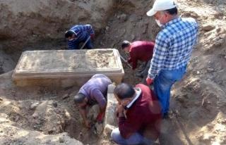 Definecilerin Kazdığı Yerden 2 bin 500 Yıllık...