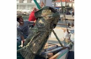 Marmaris'te Balıkçıların Ağına Bu Kez Heykel...