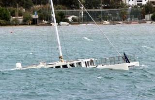 Bodrum'da Çıkan Fırtına Milyonluk Tekneyi...