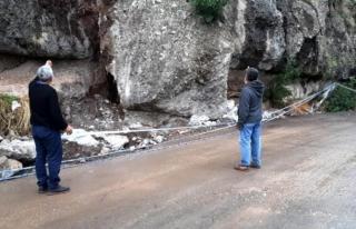 Bodrum'da Tonlarca Ağırlıktaki Dev Kaya Parçası...