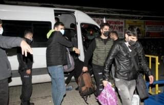 Fethiye'de 97 Kaçak Göçmen İle 10 Organizatör...