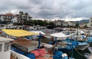 Marmarisli Balıkçılar Sağanak Yağış ve Fırtına...