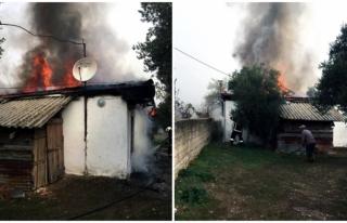 Muğla'da Ahşap Çatılı Evde Çıkan Yangın...
