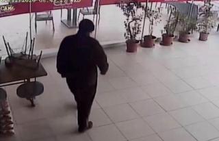 Muğla'da Maskeli Hırsız Bahşiş Paralarını...