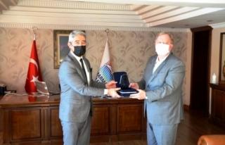 Rus Konsolos Rogoza'dan Başkan Oktay'a...