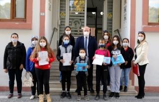 Muğla'da Öğrencilere Tablet Hediye Edildi