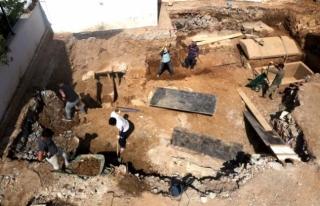Bodrum'da 2 Bin 400 Yıllık Lahit Mezarın Bulunduğu...