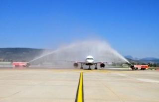 Bodrum Havalimanı'na Yılın İlk Turist Kafilesi...