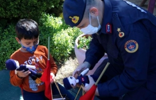 Muğla'da Jandarma'dan Çocuklara 23 Nisan...