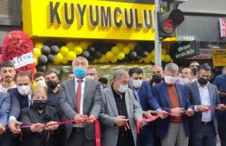 PANDEMİ'DE EKONOMİYE BİR KATKI'DA AKSOY AİLESİNDEN