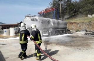 Fethiye'de Zift Tankerindeki Patlama Yürekleri...