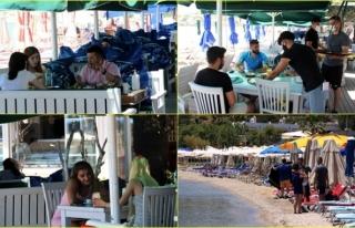 Bodrum'da Vatandaşlar Kafe ve Restoranlara Akın...