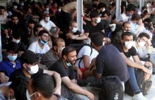 Fethiye'de Teknedeki 120 Düzensiz Göçmen Yakalandı