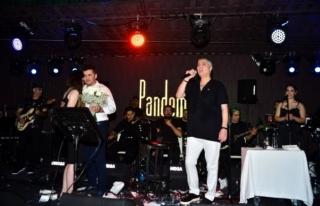 Cengiz Kurtoğlu Bir Buçuk Sene Sonra İlk Konserini...