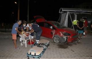 Fethiye'de Otomobil ile Kamyonet Çarpıştı:...