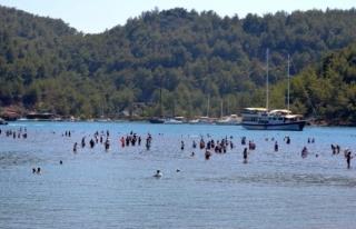 Kızkumu Plajı Turist Akınına Uğradı: Virüs...