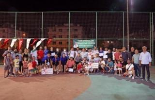 Menteşe'de Ayak Tenisi Turnuvasında Ödüller...