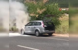 Menteşe'de Seyir Halindeki Araç Yandı