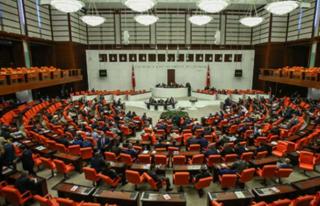 OHAL'i Uzatan Kanun Teklifi Meclis'te Kabul Edildi
