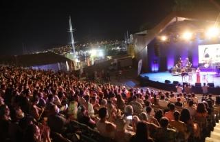 Bodrum Kale Konserlerinde Adım Atacak Yer Kalmadı
