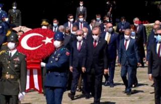 Devlet Erkanı Anıtkabir'de Ata'yı Ziyaret...