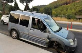 Menteşe'de Duvara Çarpan Aracın Tekeri Koptu