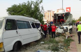 Mersin'de Feci Kaza: 33 Yaralı!