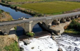 Tarihi Uzunköprü Trafiğe Kapatıldı