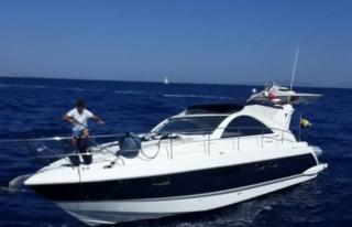 Bodrum'da Denizde Sürüklenen Teknedeki 2 Kişi...