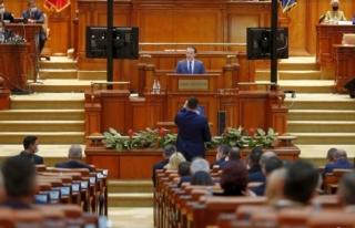 Romanya'da Başbakanın Hükümeti Düştü