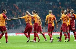 Galatasaray'dan 2. devreye bol gollü başlangıç