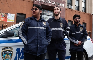 NEW YORK'TA 'MÜSLÜMAN TOPLUM DEVRİYESİ' GÖREVE...