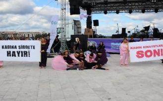 Festivalde Kadına Şiddete Dikkat Çektiler