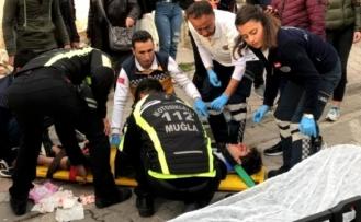 Fethiye'de Trafik Kazası: Motosiklet Yayaya Çarptı!