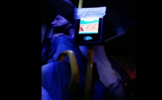 Bodrum'da Bir Şoför Turistlere Hakaret Edip Minibüsten Attı!