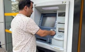 Fethiye'deki Vatandaş ATM'de Bulduğu Parayı Bankaya Teslim Etti