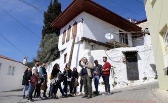 Radyo ve Televizyon Öğrencileri Tarihi Mekanlarda Ders Görüyor