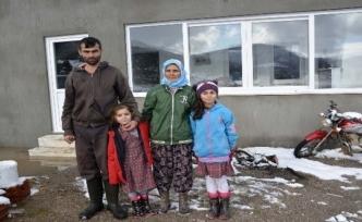 Seydikemer'de Elektriksiz ve Susuz Bir Aile Yardım Bekliyor