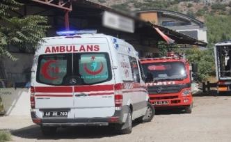 Menteşe'de İş Yerinde Çıkan Araç Yangınını Çalışanlar Söndürdü