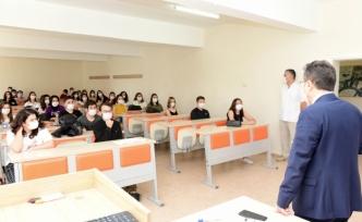 MSKÜ Diş Hekimliği Fakültesinde Yüz Yüze Eğitim Başladı