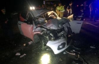Araçta Sıkışan Sürücüyü İtfaiye Kurtardı