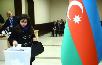 Azerbaycan Halkı Sandığa Akın Etti!