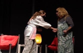 'Hanım ve Efendi' Oyunu Marmaris'te Beğeni Topladı