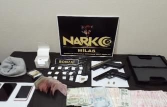 Milas'ta Uyuşturucu Silah ve Para Ele Geçirildi