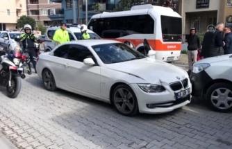 Muğla'da Bir Çocuk Otomobille Polis Aracına Çarpınca Yakalandı