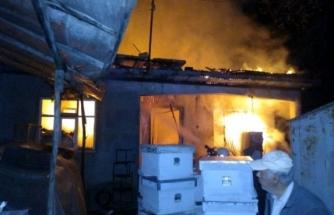 Ula'da Ahşap Binada Yangın Çıktı!