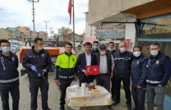 Muğla'da Bıçaklı Kavga İhbarına Giden Polislere Pastalı Sürpriz