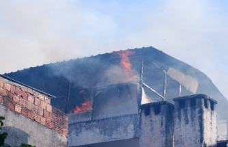 Fethiye'de Bir Adam Oturduğu Evi Yakıp Kaçtı!