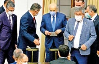 Bahçeli'den Bir İlk! İYİ Parti'nin Teklifine 'Kabul' Oyu Verdi