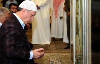 """Erdoğan'dan """"Ayasofya'da İlk Namazı Siz Kıldırın"""" Önerisine Yanıt: """"O Dadar da Değil"""""""